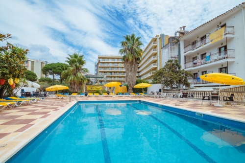 Jugendreise Nach Calella In Spanien Hotel Raco D En Pepe