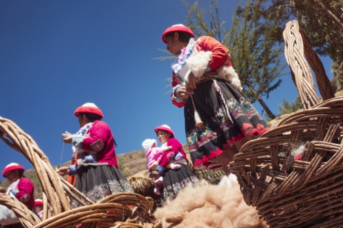 cuzco-sacred-valley-womens-weaving-co-op-baskets-wool