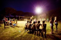 Le Pin Sec - Beachvolleyballturnier by night